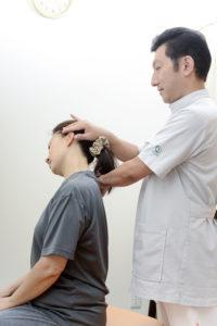 首の可動域検査